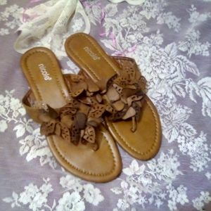 Nicole Sandals Busy Floral in Brown